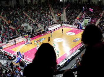 Basketballspiel im Telekom Dome
